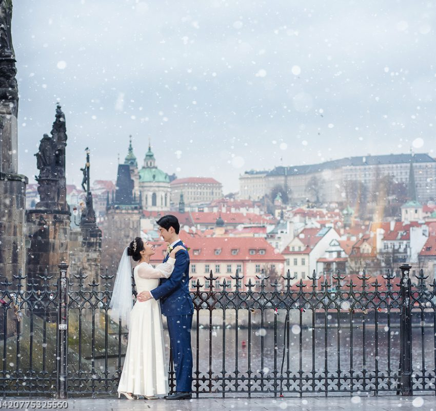 Winter wedding in the church of St. Nicholas